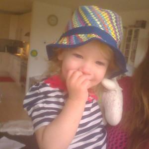 Nana met een hoedje