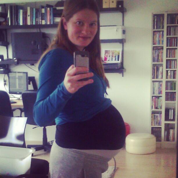 1 maart en (nog) geen baby, zal het nog gebeuren vandaag? Wij wachten (on)geduldig af.