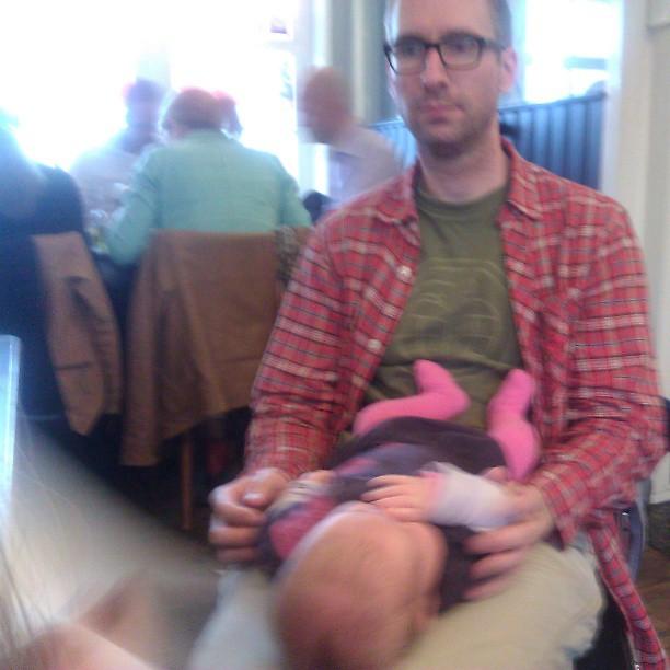 Eerste keer uit eten voor Nova, natuurlijk bij café de Pont, met papa, mama, Lyse en oma Aker