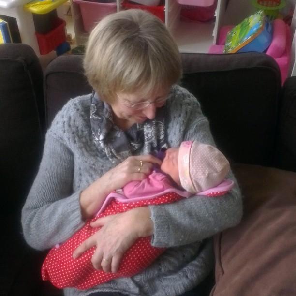 Oma Greet met Nova.